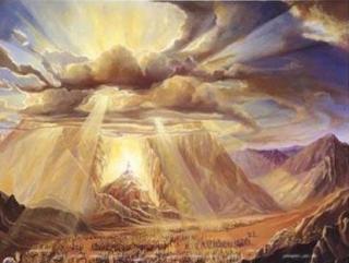 """""""Десять заповедей""""  - это десять основных законов, которые, согласно Торе, Всевышний Создатель передал Моисею на горе Синай"""