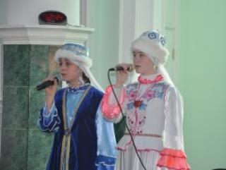 Самарская молодежь учит родной язык и носит брендовую одежду