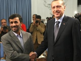 Президент Ирана Махмуд Ахмадинежад и премьер-министр Турции Реджеп Тайип Эрдоган