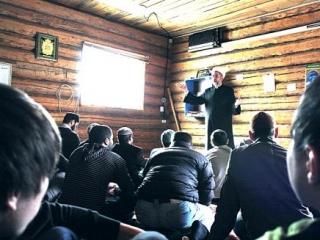 Выступление муфтия Гарифуллина во время пятничного собрания в молитвенном доме
