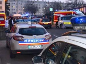 Сумасшедший напал на мечеть во Франции, есть жертвы
