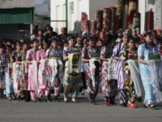 Практически на все праздники - новый год, 8 марта, навруз, день независимости с населения собирают деньги