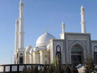 Мечеть откроют в пятницу, а не на день рождения — Назарбаев