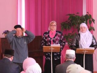 Собрание в центральной библиотеке Бугульмы начал муэдзин