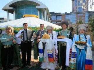 Гости праздника дегустировали национальные блюдами