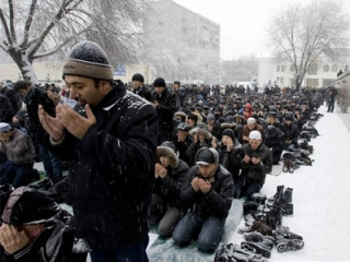 В Тюмени ищут компромисс между намазом и неврозом