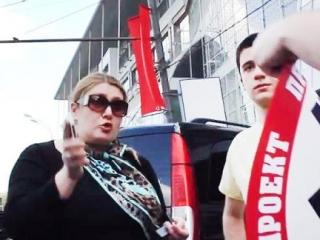 Кадыров пристыдил жену чиновника за недостойное поведение