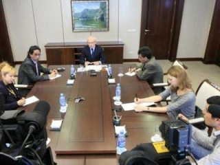 Президент РБ встретился с представителями зарубежных СМИ