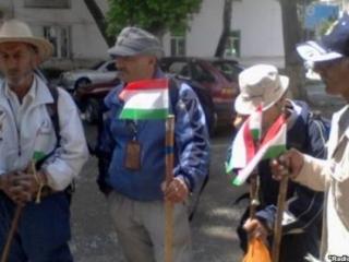 Пешие паломники из Таджикистана миновали американцев и талибов