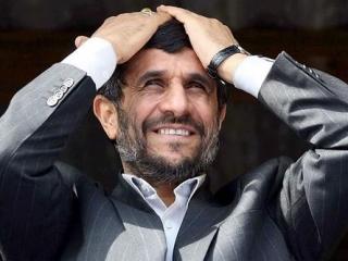 Ахмадинежада призвали уверовать в холокост