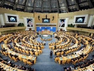 Мурси открыл саммит в Тегеране критикой Асада