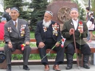 Мусульманские народы бывшего Советского Союза, как и народы, придерживающиеся других религий, приняли активное участие в войне и внесли свою лепту в победу