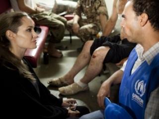 Анджелина Джоли встретится с сирийскими беженцами