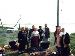 Большой крест на кладбище Кызылбая ставить не будут
