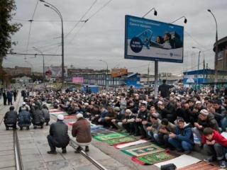 Сенатору Гаттарову рассказали о проблеме мечетей в Москве