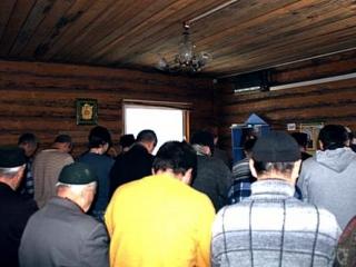 Намаз в молитвенном доме на Чехова