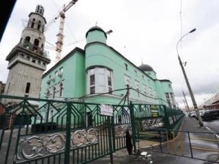 Не договорился с префектурой – получи митинг против мечети