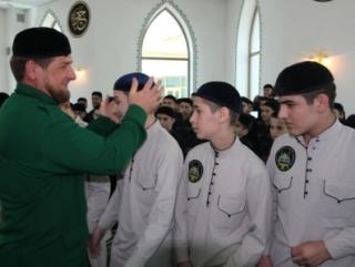 Чеченские хафизы сразились на ковре