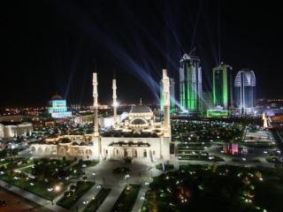 Главу Чечни поздравляли звезды мирового шоу-бизнеса