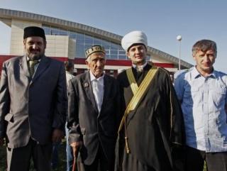 Имам Бутово приглашает мусульман на праздничный намаз