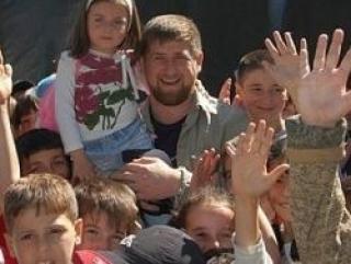 В Чечне детей-сирот обеспечат квартирами