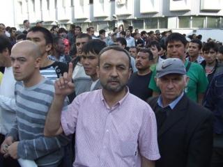 Бахром Хамроев: Мечеть – проблема мэра, а не мигрантов