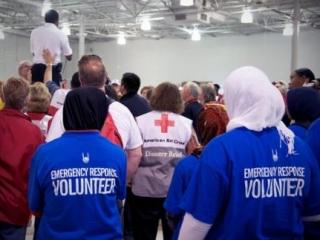 Мусульмане помогают пострадавшим от урагана «Сэнди»