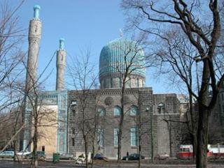 На подбросившего к мечети свиную голову завели уголовное дело