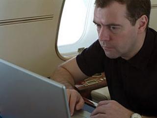 Россияне смогут общаться с властями через e-mail