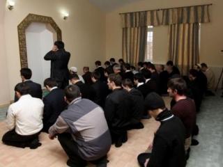В российских школах могут разрешить молитвенные комнаты