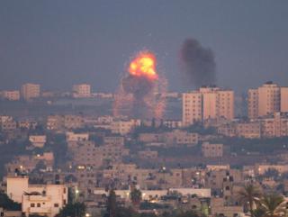 Палестинские ракеты долетели до Тель-Авива