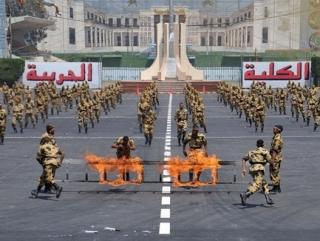Военная академия Египта впервые принимает бородатых и в никабах
