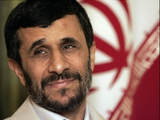 Ахмадинежад поздравил ХАМАС с победой над Израилем