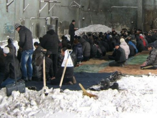 Вторую зиму мусульмане Сахалина молятся под открытым небом