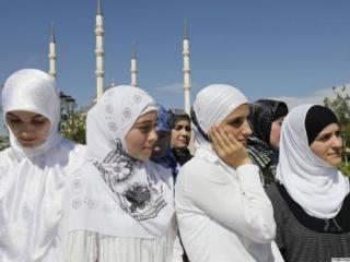Кадыров против ранних браков, но призвал не вводить планку