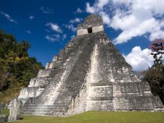Туристы разрушили храм майя, не дождавшись «конца света»