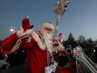 В Узбекистане запретили Деда Мороза и Снегурочку