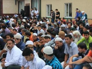 Пятигорская мечеть не вмещает всех желающих
