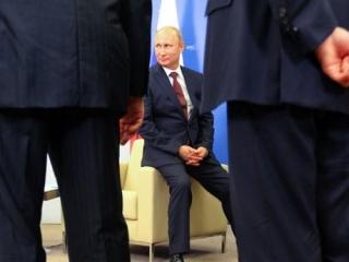 В глазах большинства, Путин остается главным гарантом стабильности. Фото: «Ведомости»