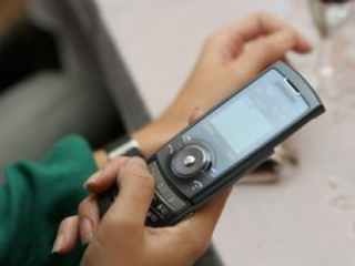 Спецслужбам США разрешат прослушивать телефоны