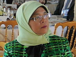 Мусульманка впервые возглавила парламент Сингапура