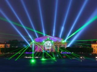 Лазерный мавлид собрал аншлаг в Екатеринбурге
