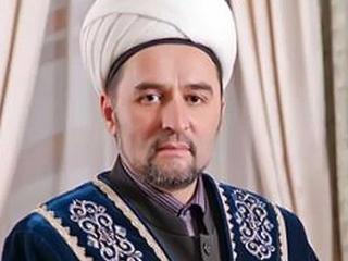 Медведев поздравил муфтия Татарстана с 50-летием