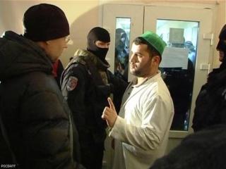 Мигрантов, задержанных в Апраксином дворе, выдворили из России