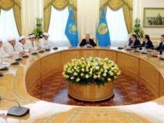 Глава Казахстана призвал нового муфтия издавать фетвы