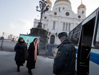 В храме Христа Спасителя задержали женщин в балаклавах