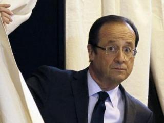 Президент Франции получил Премию ЮНЕСКО после вторжения в Мали