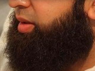 В Сургуте полиция бреет бороды мусульманам