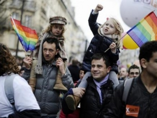 Путин намерен защитить сирот от «цветных»