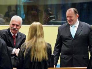 Двух лидеров боснийских сербов приговорили к 22 годам тюрьмы